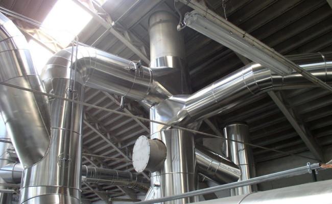 Tubazioni coibentate su impianto di recupero calore